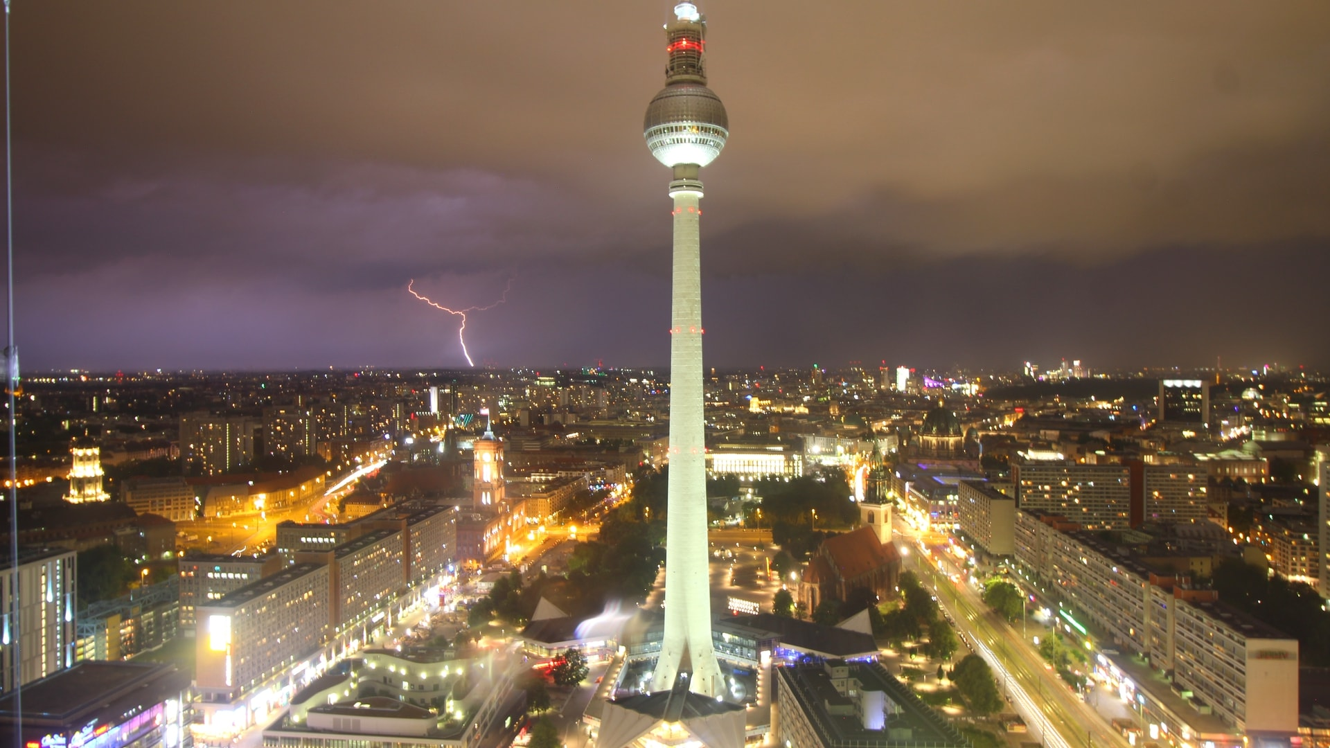 Live Berlin Weather Forecast, Stunning HD Webcams and Monthly Averages